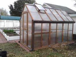 greenhouse-building-3