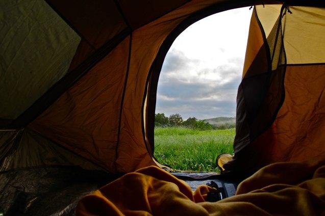 Ouverture de la tente au petit matin