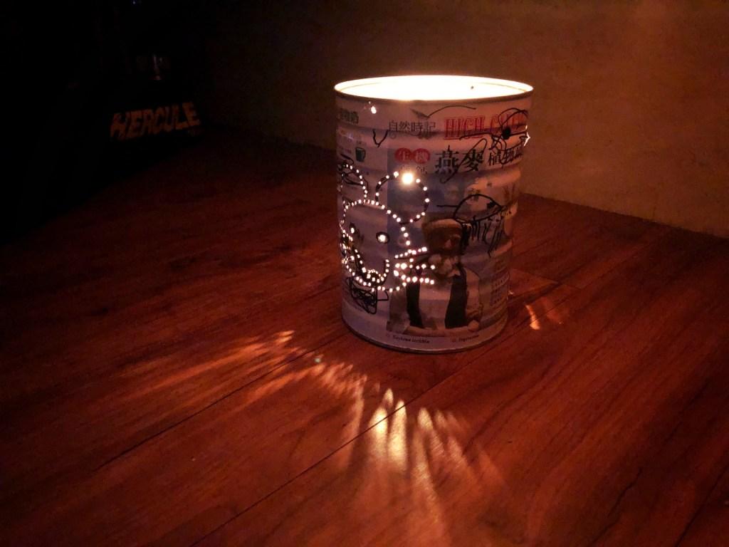 傳統奶粉罐製的燈籠