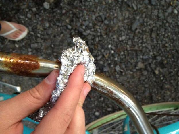 aluminum foil hacks -removing rust from metal