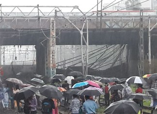 Bridge collapsed at andheri