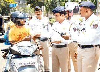ट्राफिक पोलिसांना मूळ कागदपत्रं सोपवण्याची गरज नाही