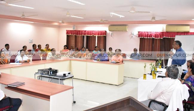 सकारात्मकता व तीव्र इच्छाशक्तीच्या बळावर शाळेला वेगळ्या उंचीवर न्या : आयुक्त रवींद्र ठाकरे, नागपूर