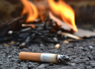 मोठा पणती टोळक्याचा धुडघूस; सिगारेट दिली नाही म्हणून पेट्रोल टाकून घर पेटवून दिले