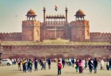 लाल किल्ल्याच्या सुरक्षेसाठी 'कंटेनरची भिंत'; 'राष्ट्र प्रथम-सदैव प्रथम' चा संदेशही देणार