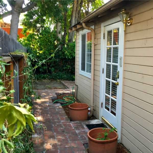 Home Away From Home: A Tour of Our {Menlo Park} Cottage | ournextadventure.co