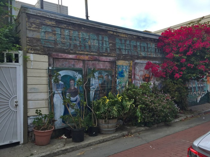 A self-guided walking tour of San Francisco's Mission District // Family Travel | California Road Trip | San Francisco with Kids
