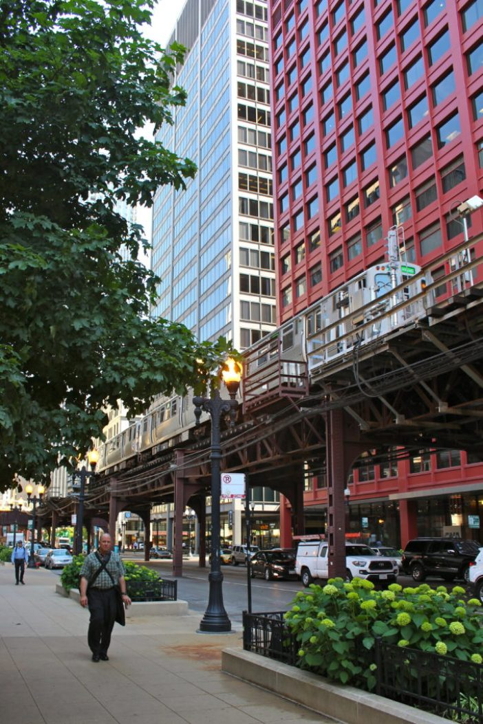 How to spend 3 days in Chicago on a first-time trip. // Family Travel | Travel with Kids | Midwest Travel | Chicago Itinerary | Where to Eat | Things to Do | Where to Stay | What to See | Chicago River Cruise | Magnificent Mile | Wicker Park | The Bean