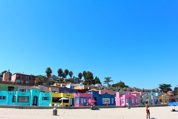 An afternoon in California's happiest seaside town, Capitola! #santacruz #california #familytravel // Family Travel | Travel with Kids | California Beach Cities | San Francisco Weekend Trip | Bay Area Day Trip | US Travel | USA | United States | PCH Road Trip | Beach Vacation