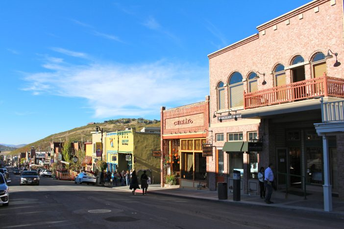 Weekend guide to where to eat, shop, and explore in Park City, Utah. #parkcity #utah #familytravel // Family Travel | Travel with Kids | Ski Trip | US Travel | USA | United States | Family Friendly Itinerary | Salt Lake City Day Trip