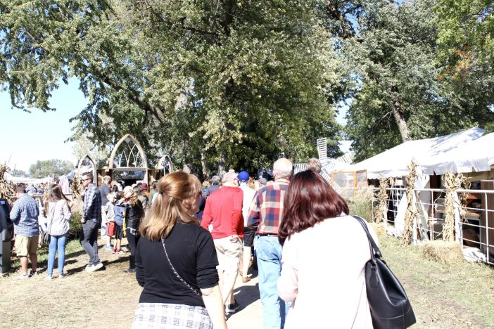 Plan a trip to Junkstock, Omaha's 3 day vintage market fair. #omaha #midwest #familytravel // Family Travel | Travel with Kids | Midwest Travel | Nebraska | Central US | USA | United States | Antique Market | Vintage Festival | Unique Things to Do
