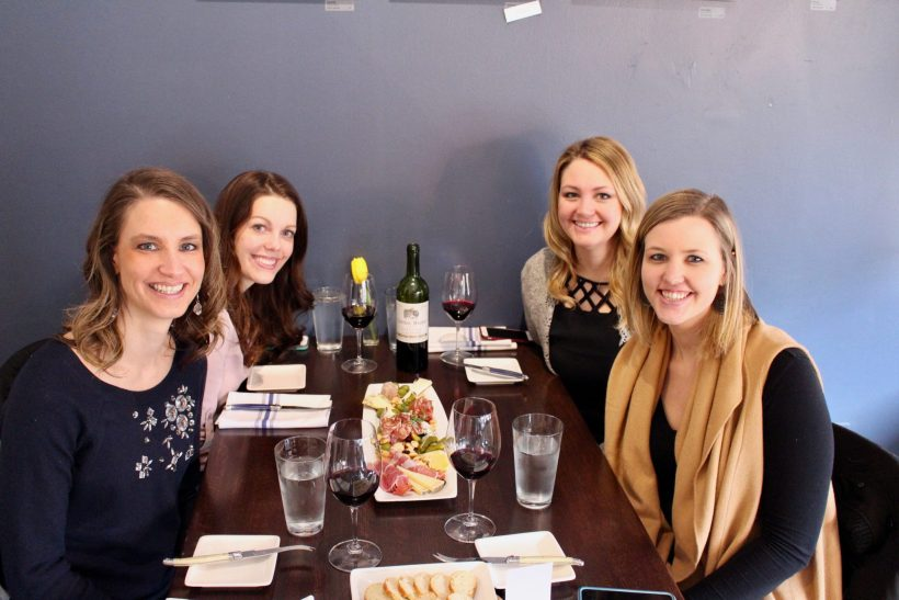 How to spend a girls day getaway just outside the Twin Cities, Minnesota. // Saint Paul | Minneapolis Daytrip | Ladies Night