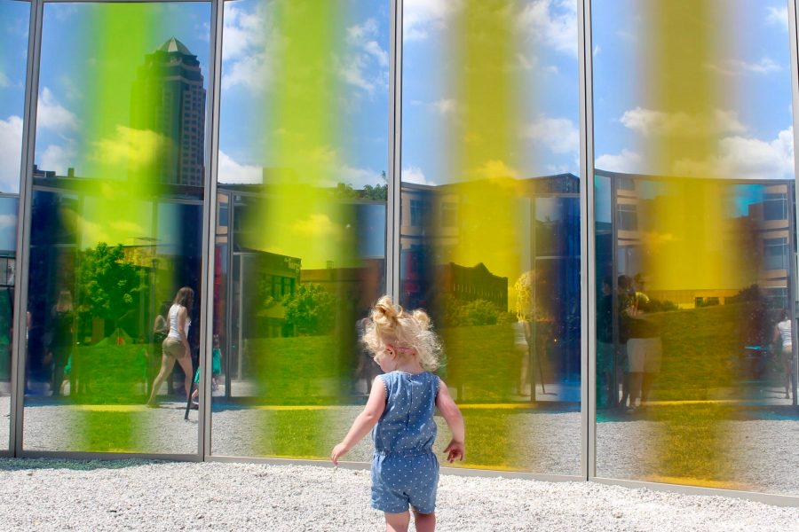 Explore more of the Midwest and spend a family weekend in Des Moines, Iowa. || Midwest Travel | Family Travel | Road Trip | Travel with Kids | Iowa Travel | Omaha Road Trip | Minneapolis Road Trip | Kansas City Road Trip | Things to Do | Where to Eat