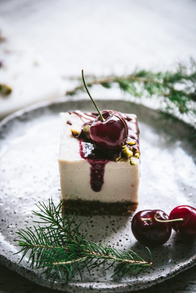 raw cheesecake, vegan dessert, vegan cheesecake, dairy free recipes, gluten free, healthy Christmas recipes, food photography, food styling, recipe developer