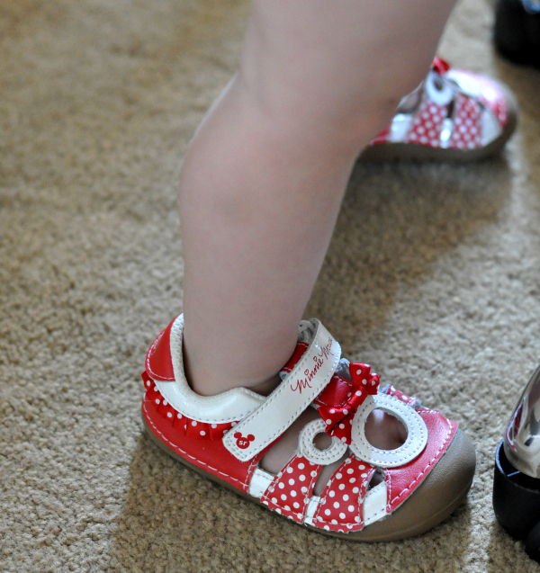 stride rite minnie mouse soft motion shoes