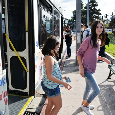 Teaching Kids How to Use Mass Transit – Our Trip To Knotts Berry Farm on the OCBus