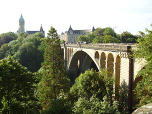 Adolph Bridge in south Luxembourg City: 1903