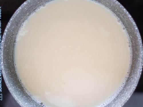 leche de soja en cacerola