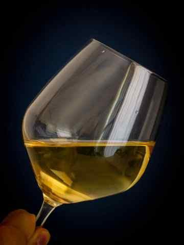 vino blanco sostenible