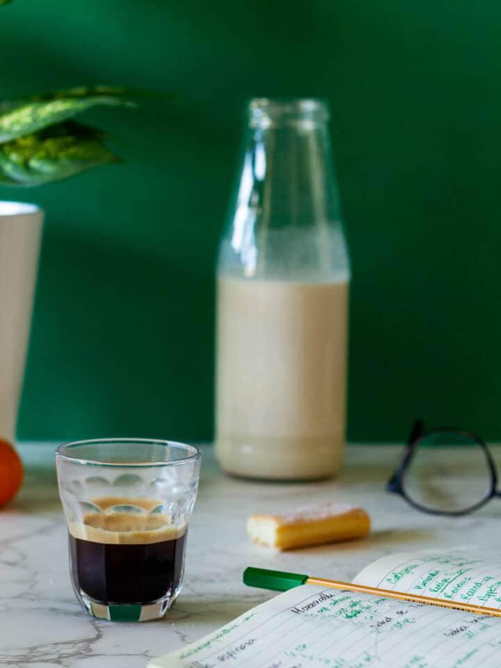 Espresso with almond milk