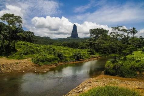 Pico Cão Grande monolith