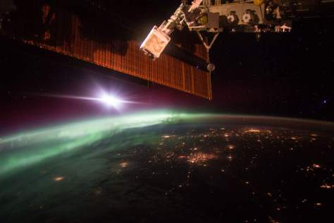 Morning Aurora from the International Space Station (October 7, 2015)
