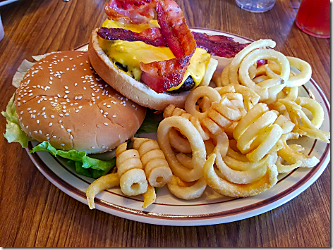 Peggy Sue's 50's Diner King Kong Burger