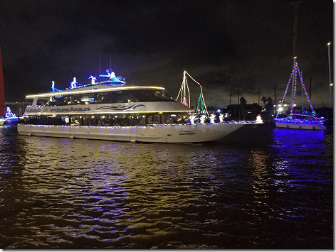 2018 Christmas Boat Parade 08