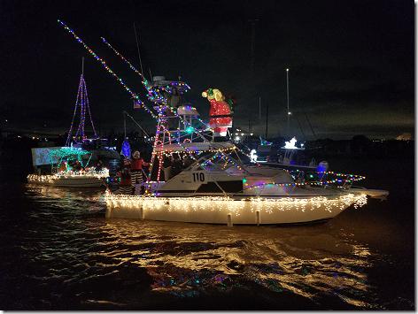 2018 Christmas Boat Parade 17