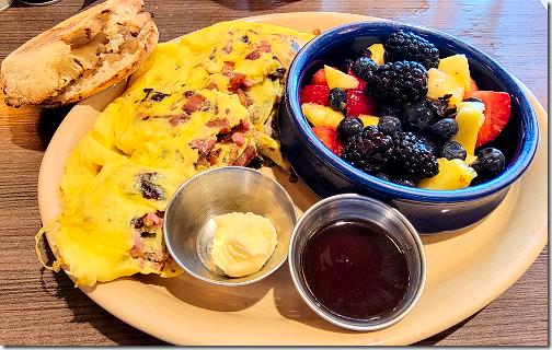 Snooze 3 Egg Omelet