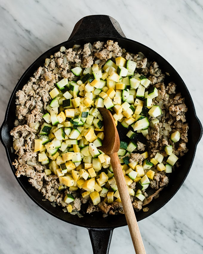 Ground turkey hash is one of my favorite paleo breakfast recipes. It's ready in less than 30 minutes, and is naturally paleo, whole 30 and gluten-free. #realfood #wholefood #paleo #whole30 #glutenfree
