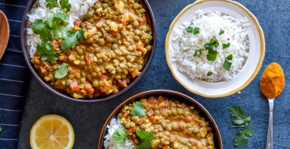 Creamy Coconut Lentil Curry: An easy vegetarian lentil recipe with a taste of Asia.
