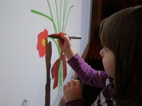 zuzia rysuje kwiaty