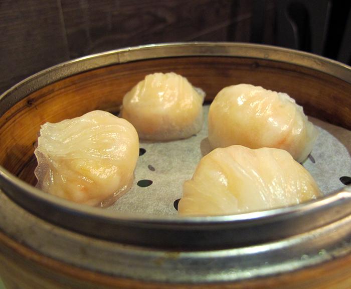 Steamed Shrimp Dumplings (Har Gow) http://ourtastytravels.com/blog/dimdimsum-dim-sum-hong-kong/ #dimsum #hongkong #ourtastytravels