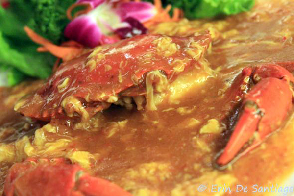 Singapore Chili Crab from restaurant in Taipei, Taiwan  http://ourtastytravels.com/blog/southeast-asian-cuisine-singapore-chilli-crab/ #ourtastytravels