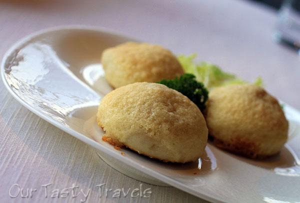 Crispy Pork Buns at Tin Lung Heen http://ourtastytravels.com/restaurants/tin-lung-heen-cantonese-dim-sum-at-the-ritz-carlton-hong-kong/ #ourtastytravels