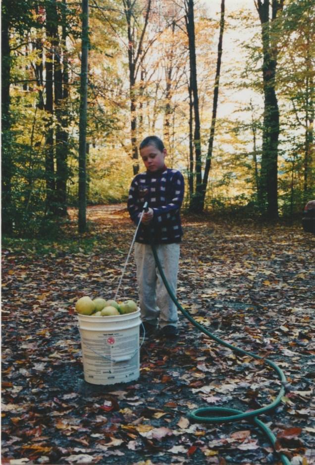 Zeb making apple cider