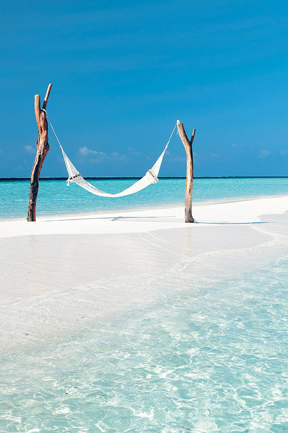 my-paradissi-turquoise-tropical-beach-hammock-vacation-idea