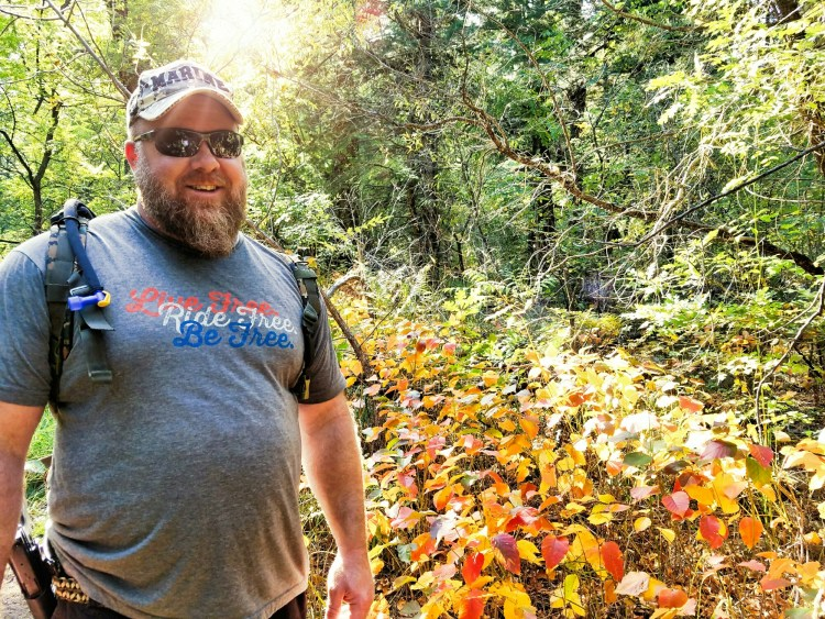 Autum shows off its colors along the trail