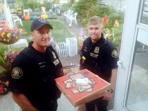 us_police_pizza