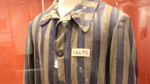 us_holocaust_robe1
