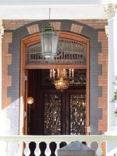 Calhoun Mansion entrance - note the ropes denoting rich shipping merchant