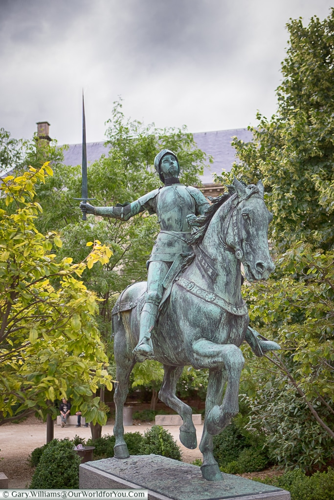 Statue to Joan of Arc, Reims, Champagne Region, France