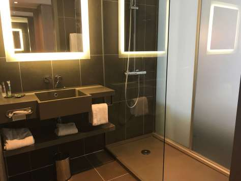 What do the bathrooms at the Novotel Sofia look like?