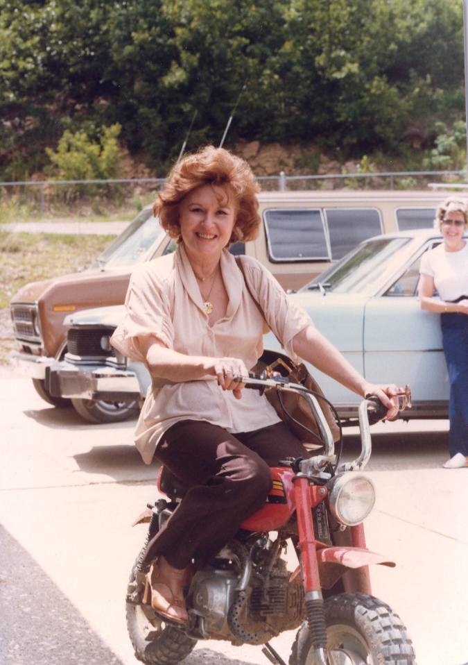 clynese-on-dirt-bike
