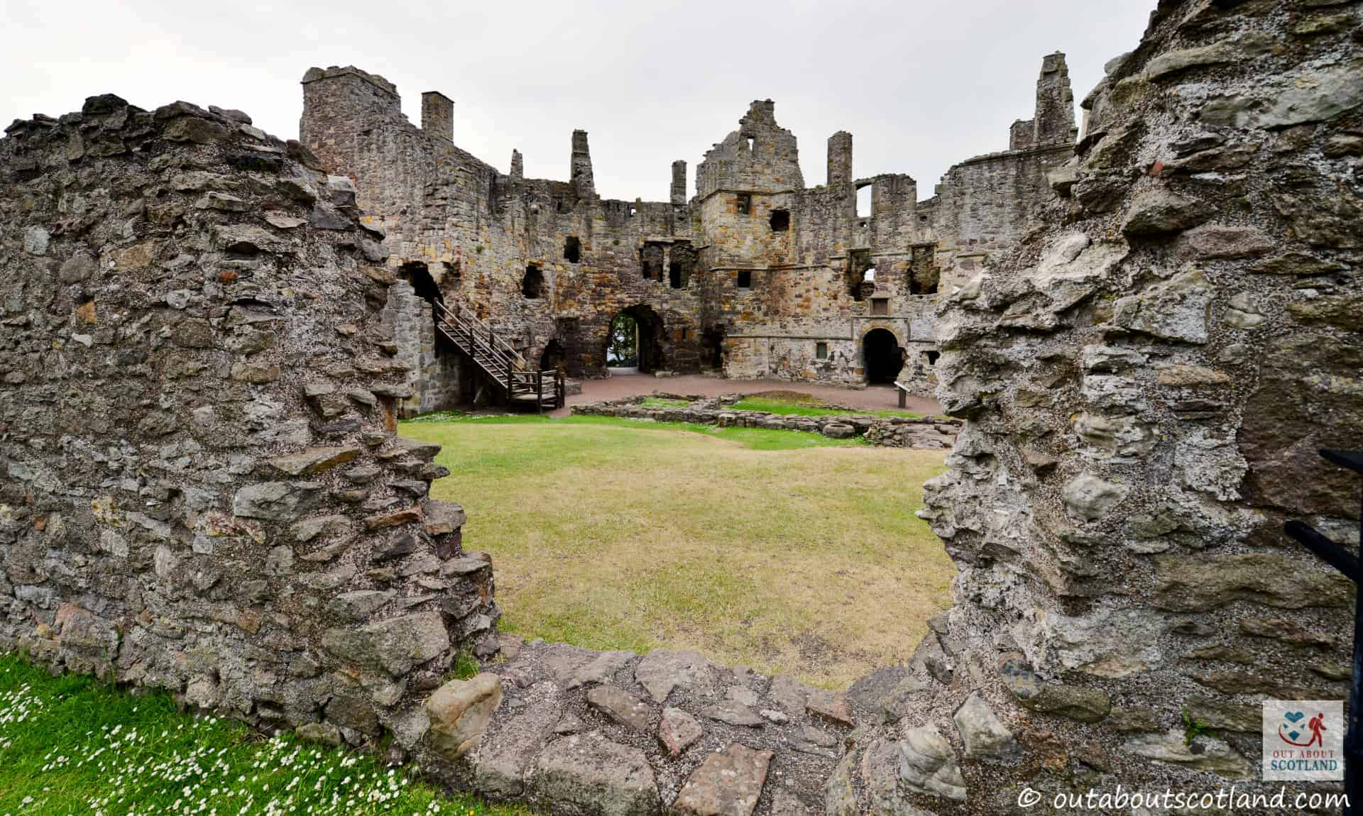 Dirleton Castle (1 of 16)
