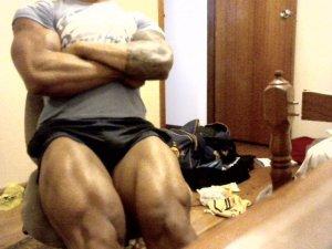 zyzz legs