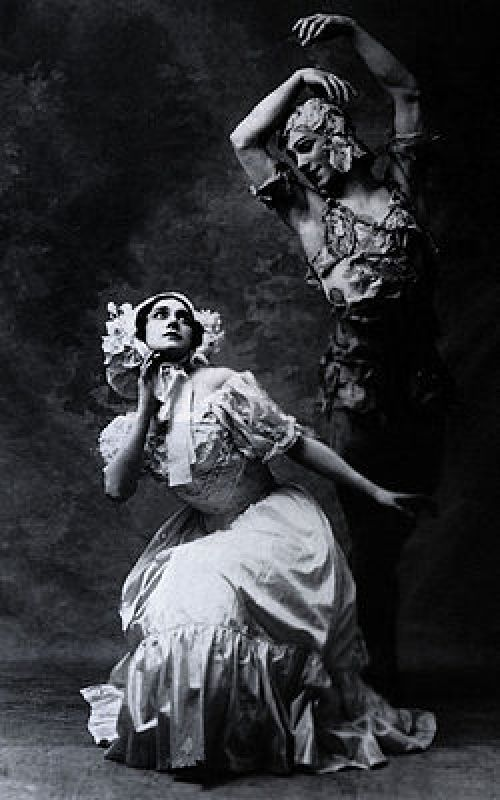 250px-Spectre_de_la_rose_karsavina_and_nijinsky_1911