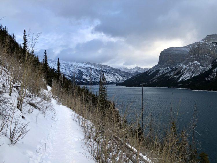 Lake Minnewanka hike views