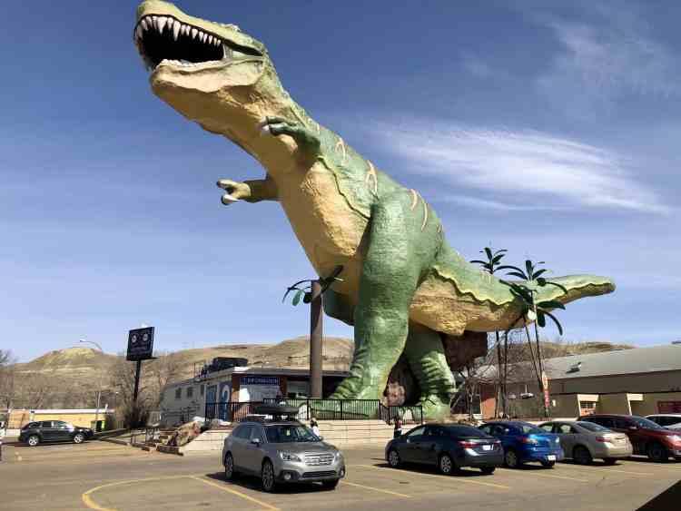 World's largest dinosaur in Drumheller